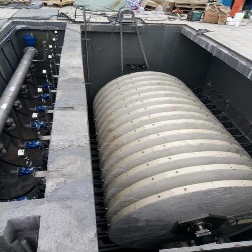纤维转盘滤池的过滤污水的过程